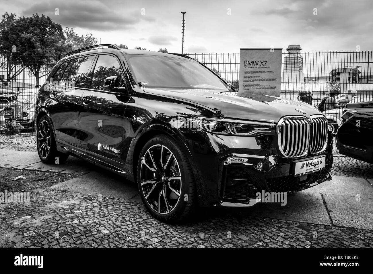 Berlin May 11 2019 Full Size Luxury Suv Bmw X7 Xdrive40i Black And White 32th Berlin Brandenburg Oldtimer Day Stock Photo Alamy