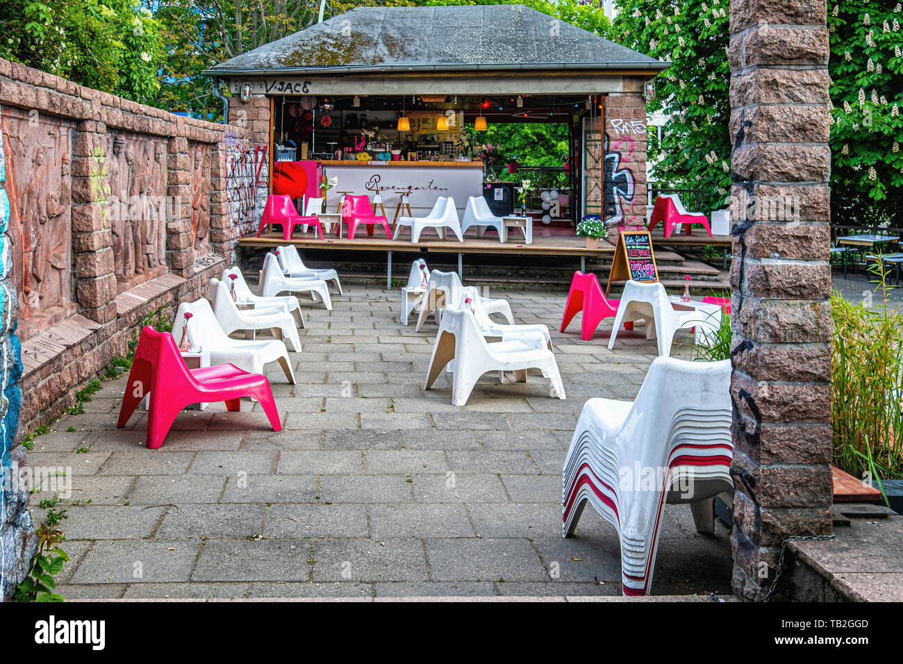 The Rosengarten cafe, Bar and event space in the Volkspark am Winbergsweg park in Mitte Berlin. The rose garden in Volkspark am Weinbergsweg in Berlin Stock Photo