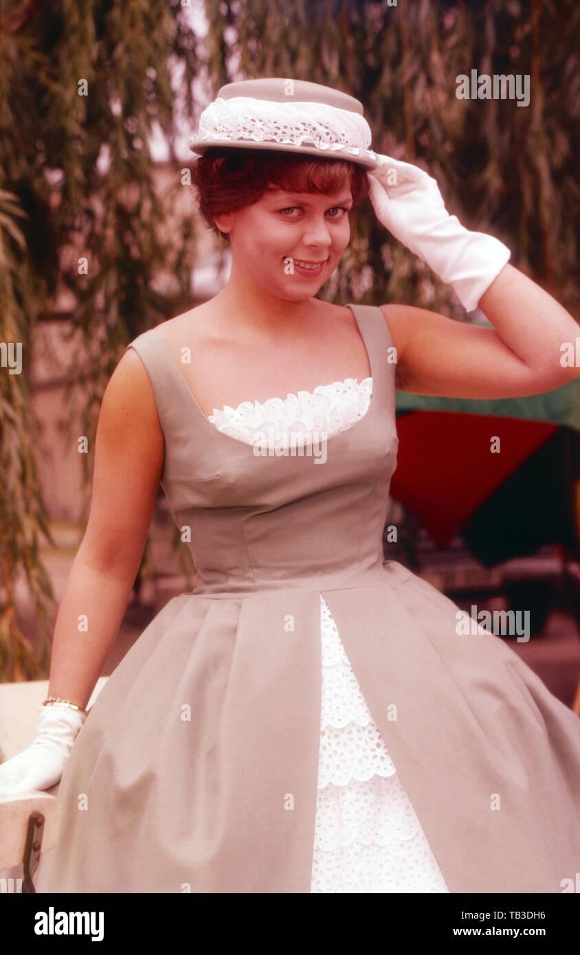 Ruth Stephan, deutsche Schauspielerin und Kabarettistin, Deutschland ca. 1960. German actress and cabaret artist, Germany ca. 1960. - Stock Image