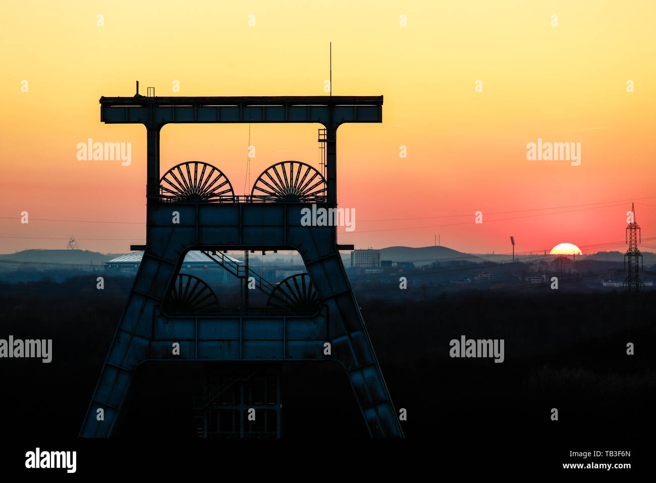 Conveyor Scaffold Stock Photos & Conveyor Scaffold Stock Images - Alamy