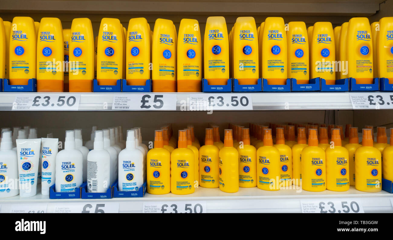 Tesco Cream High Resolution Stock Photography And Images Alamy
