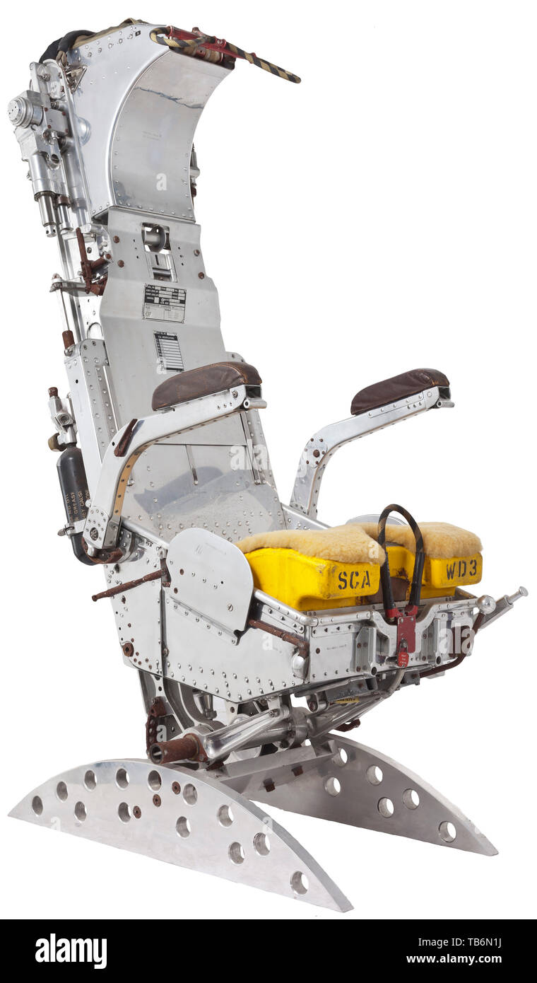 """A chromed Vulcan ejection seat by Martin-Baker, The seat with attached identification plates """"Type 3152"""" and """"MK. 3"""", """"Date 15.7.74"""" and """"Seat Srl. No. 46"""". Height 142 cm, width 53 cm. The Vulcan was a four-engine strategic jet bomber of British make, and was deployed by the RAF during the Cold War period as the first nuclear-armed aircraft capable of flying at 52,000 ft altitude. Its maiden flight took place on 30 August 1952. Because its enormous Delta wings make the aircraft difficult to detect via radar, it has been called the first stealth a, Additional-Rights-Clearance-Info-Not-Available Stock Photo"""
