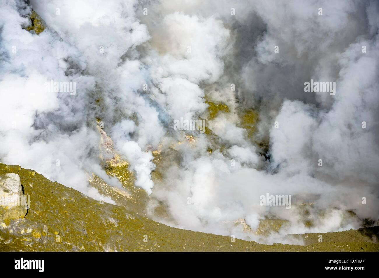 Fumaroles on the volcano White Island, Whakaari, Bay of Plenty, North Island, New Zealand - Stock Image