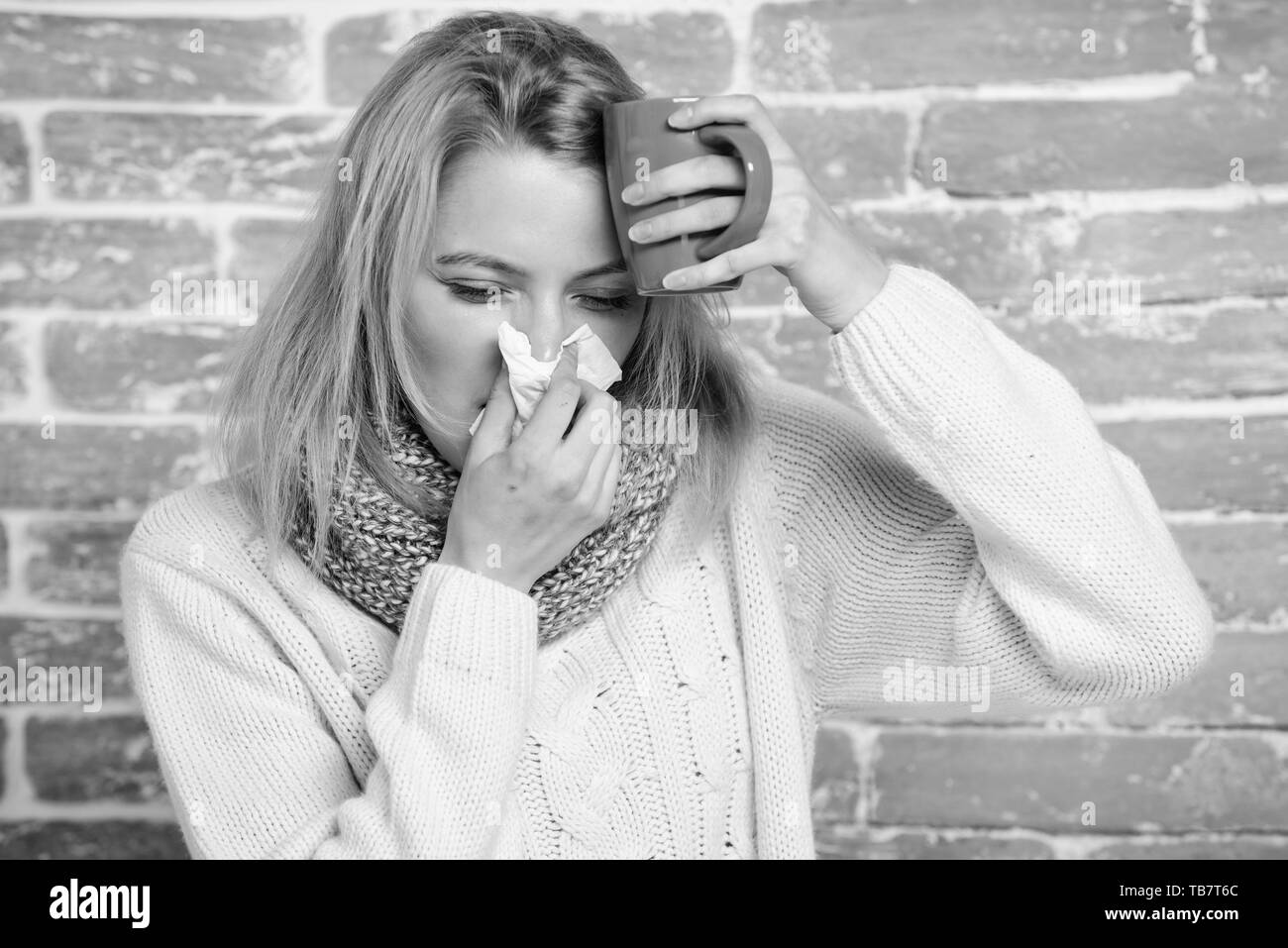 Runny nose symptom of cold  Tips how get rid of cold