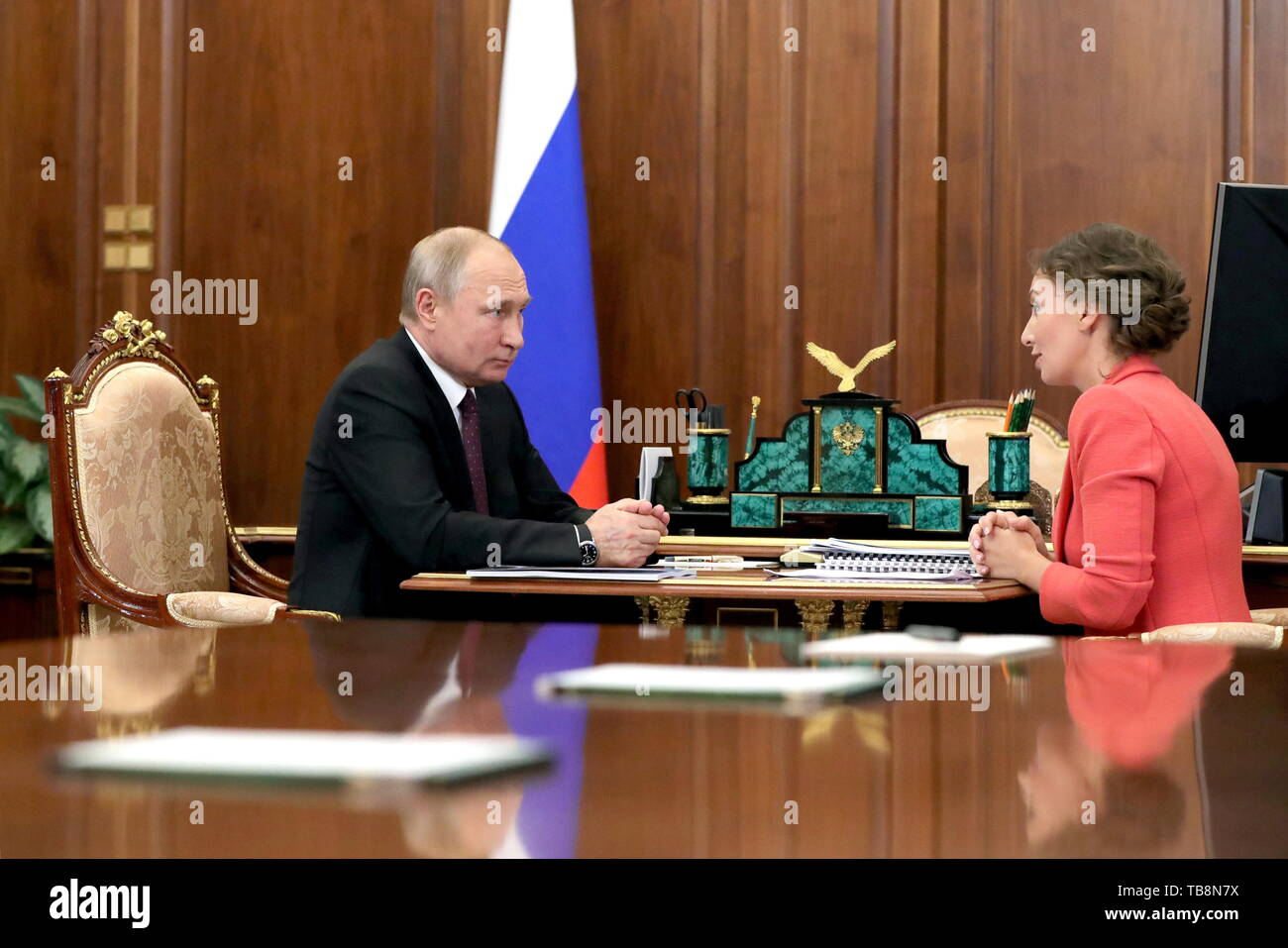 Moscow, Russia. 31st May, 2019. MOSCOW, RUSSIA - MAY 31, 2019: Russia's President Vladimir Putin (L) and Commissioner for Children's Rights Anna Kuznetsova during a meeting at the Moscow Kremlin. Mikhail Klimentyev/Russian Presidential Press and Information Office/TASS Credit: ITAR-TASS News Agency/Alamy Live News - Stock Image