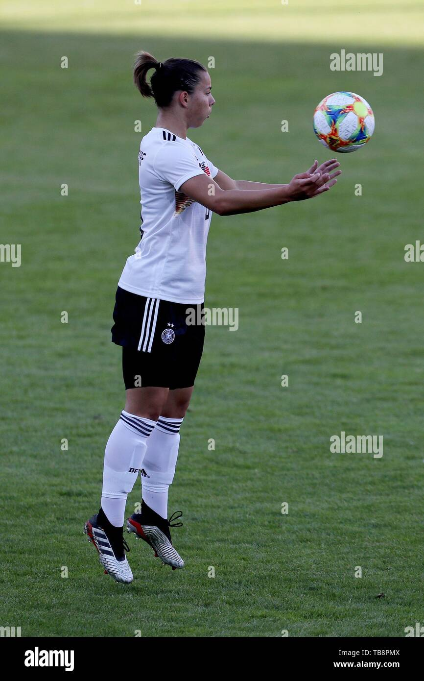 Regensburg, Deutschland. 30th May, 2019. firo: 30.05.2019, Football, Landerspiel, Test Game Women, Germany - Chile, | usage worldwide Credit: dpa/Alamy Live News Stock Photo