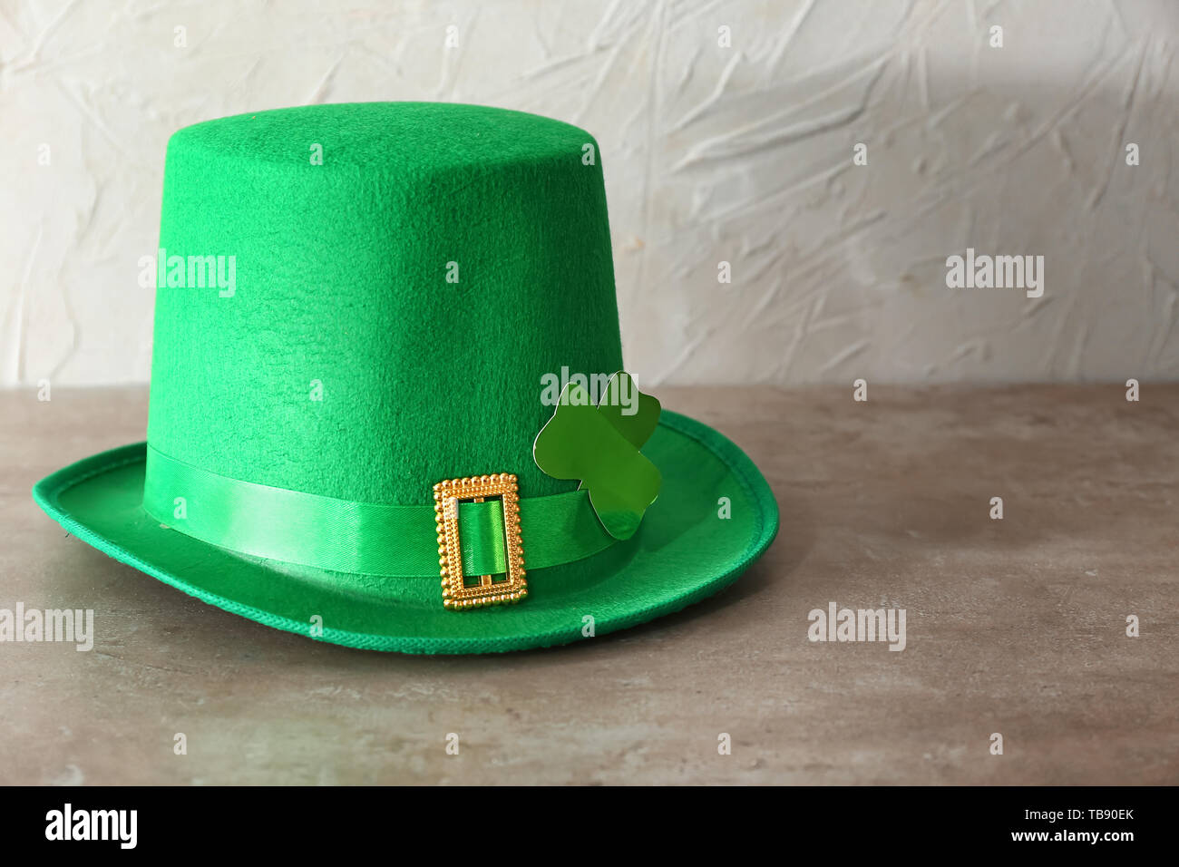leprechaun hat with pointed ears.html
