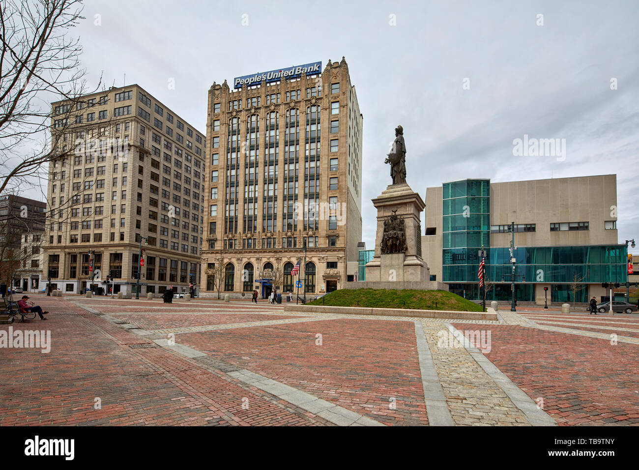 The Time and Temperature Building and People's United Bank and Sailors Monument by  Franklin Simmons in Monument Square in Portland Maine USA, United  - Stock Image