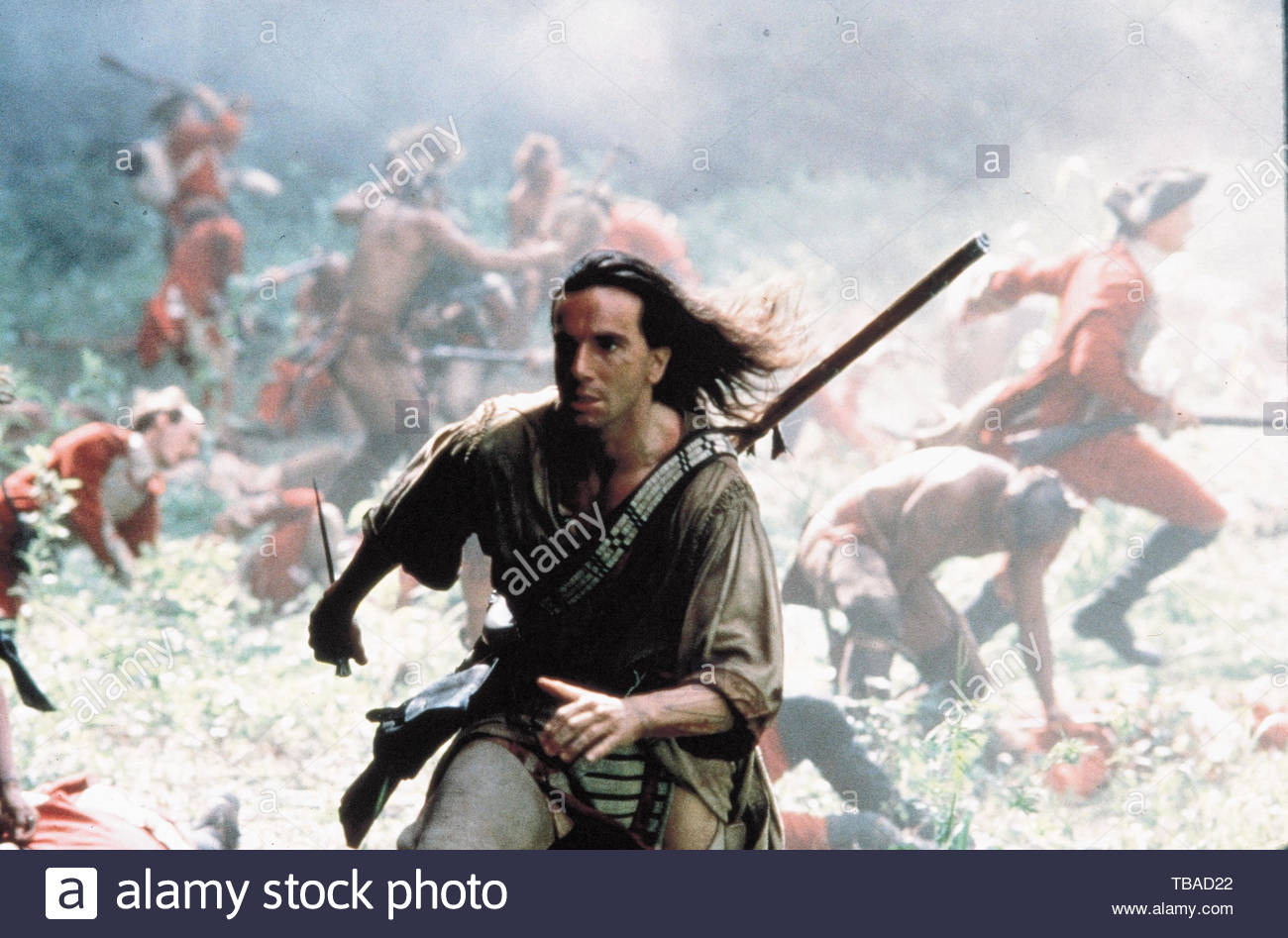 DANIEL DAY-LEWIS in THE LAST OF THE MOHICANS (1992). Copyright: Editorial inside use only. This is a publicly distributed handout. Access rights only, no license of copyright provided. Mandatory authorization to Visual Icon (www.visual-icon.com) is required for the reproduction of this image. Credit: 20TH CENTURY FOX/MORGAN CREEK / Album - Stock Image