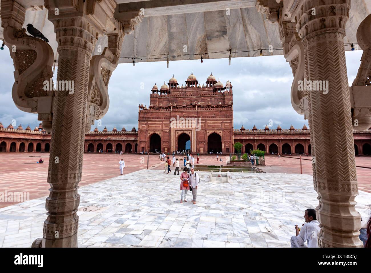 Buland Darwaza from Sufi Saint Shiakh Salim Chistis Tomb in Jama Masjid, Jama Mosque, Fatehpur Sikri, Agra District of Uttar Pradesh, India. - Stock Image