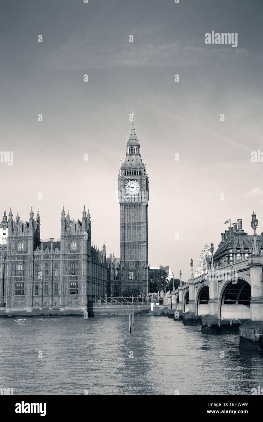 Big Ben and House of Parliament in London panorama over Thames River. - Stock Image