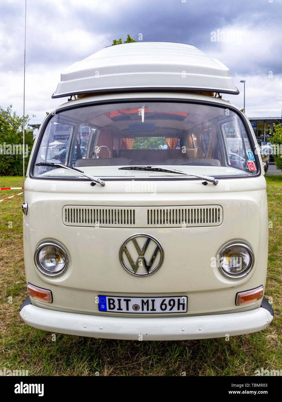 Front View Of A Volkswagen Camper High Resolution Stock Photography And Images Alamy