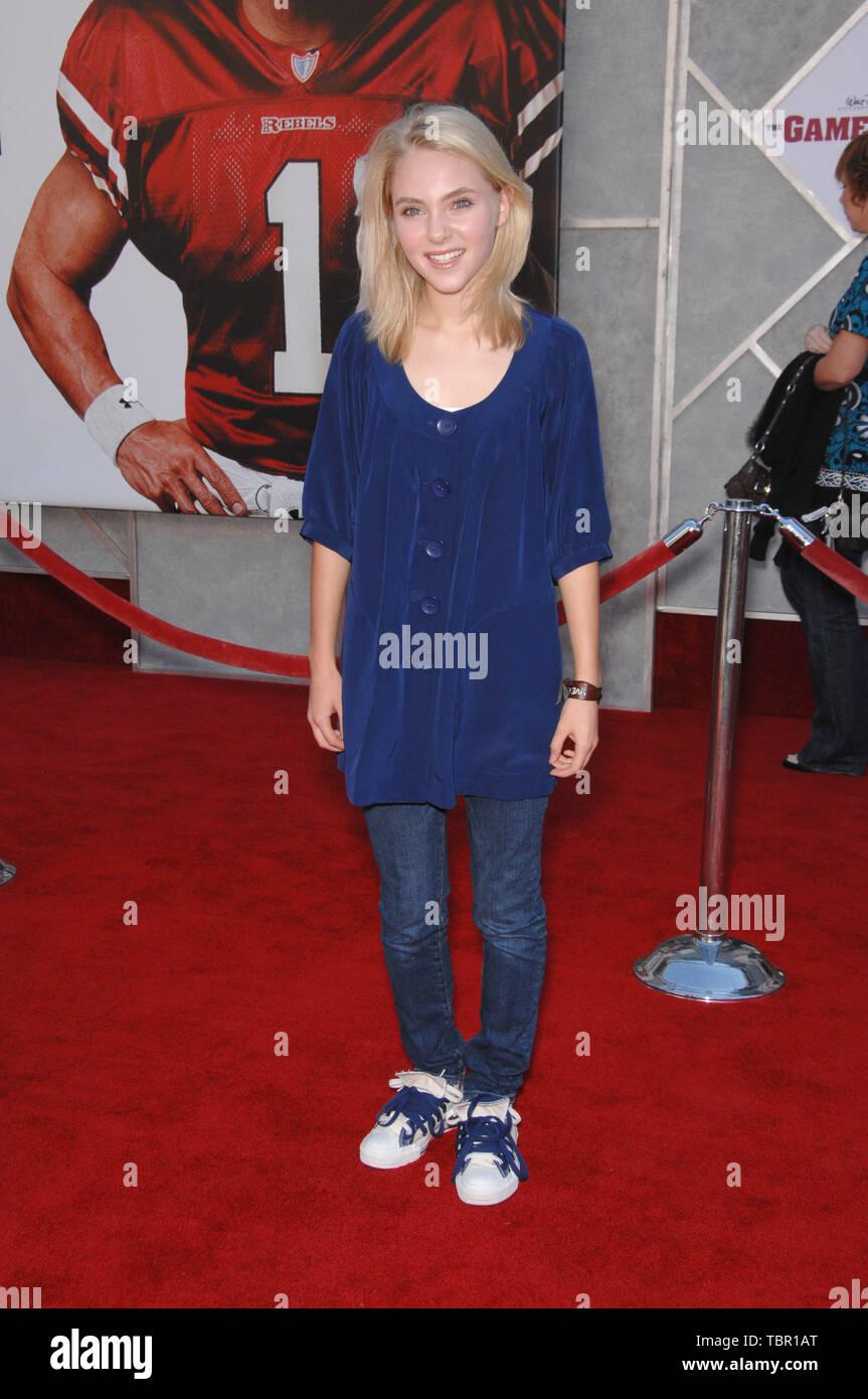 LOS ANGELES, CA. September 23, 2007: AnnaSophia Robb at the world premiere  of