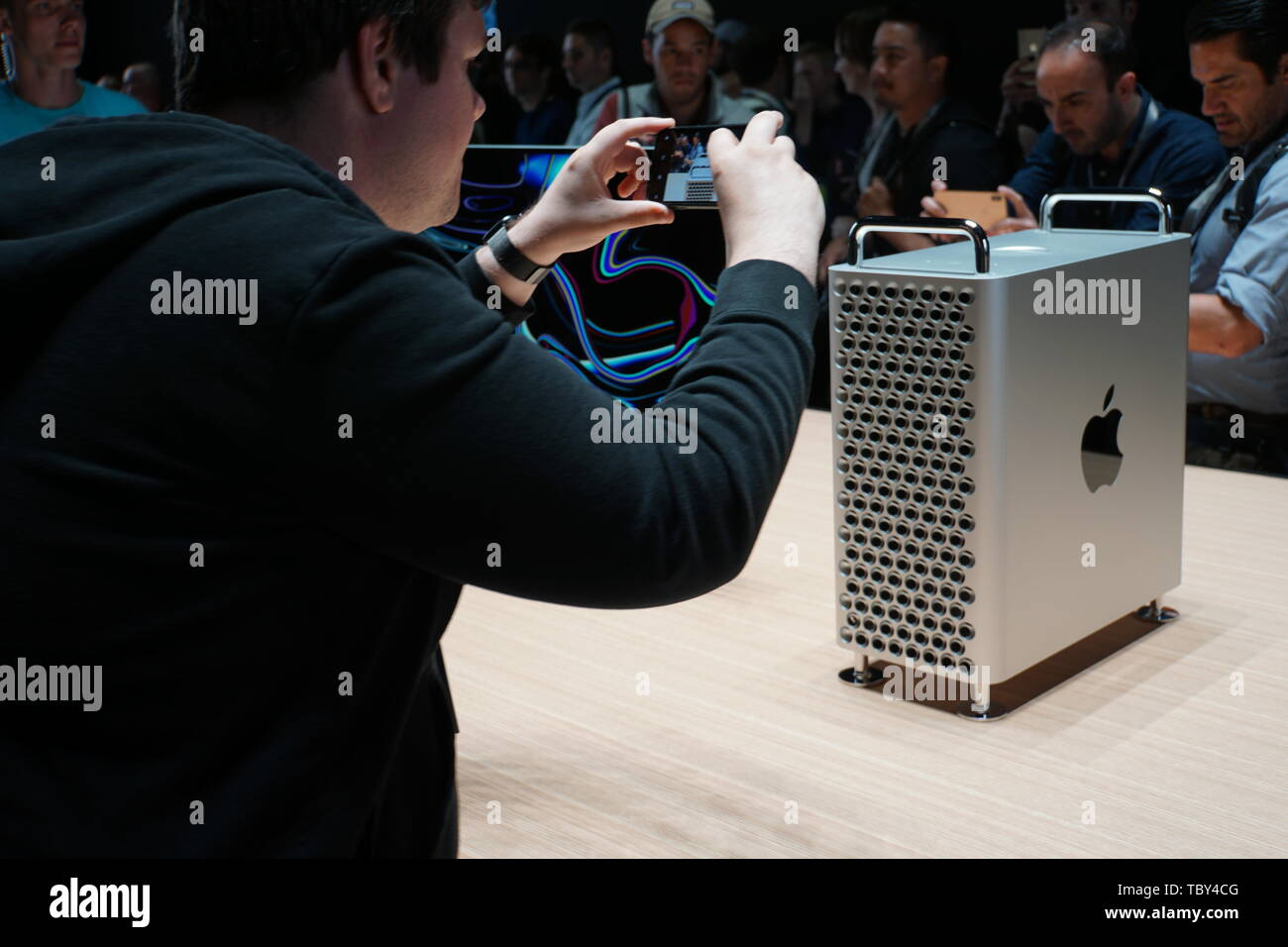 San Jose, USA. 03rd June, 2019. The new Apple professional Mac Pro and the 6K Pro Display XDR display at the WWDC 2019 developer conference in San Jose. Credit: Christoph Dernbach/dpa/Alamy Live News - Stock Image