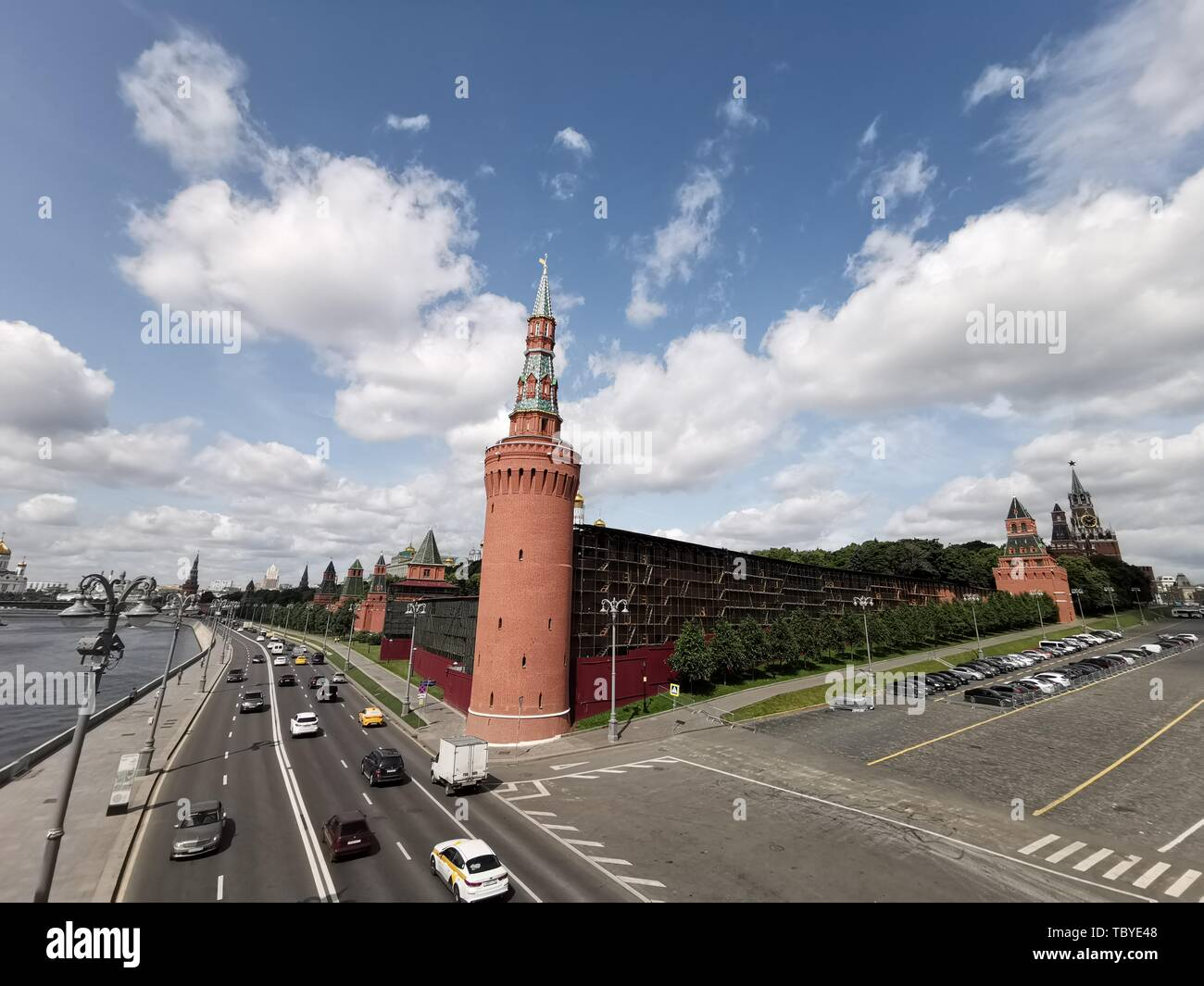 (190604) -- MOSCOW, June 4, 2019 (Xinhua) -- Photo taken on June 3, 2019 shows the Kremlin Palace in Moscow, capital of Russia. Chinese President Xi Jinping will pay a state visit to Russia from June 5 to 7 at the invitation of Russian President Vladimir Putin, a Chinese Foreign Ministry spokesperson announced on Wednesday at a press briefing.     Xi will also attend the 23rd St. Petersburg International Economic Forum during his stay, according to spokesperson Lu Kang. (Xinhua/Lai Xiangdong) - Stock Image