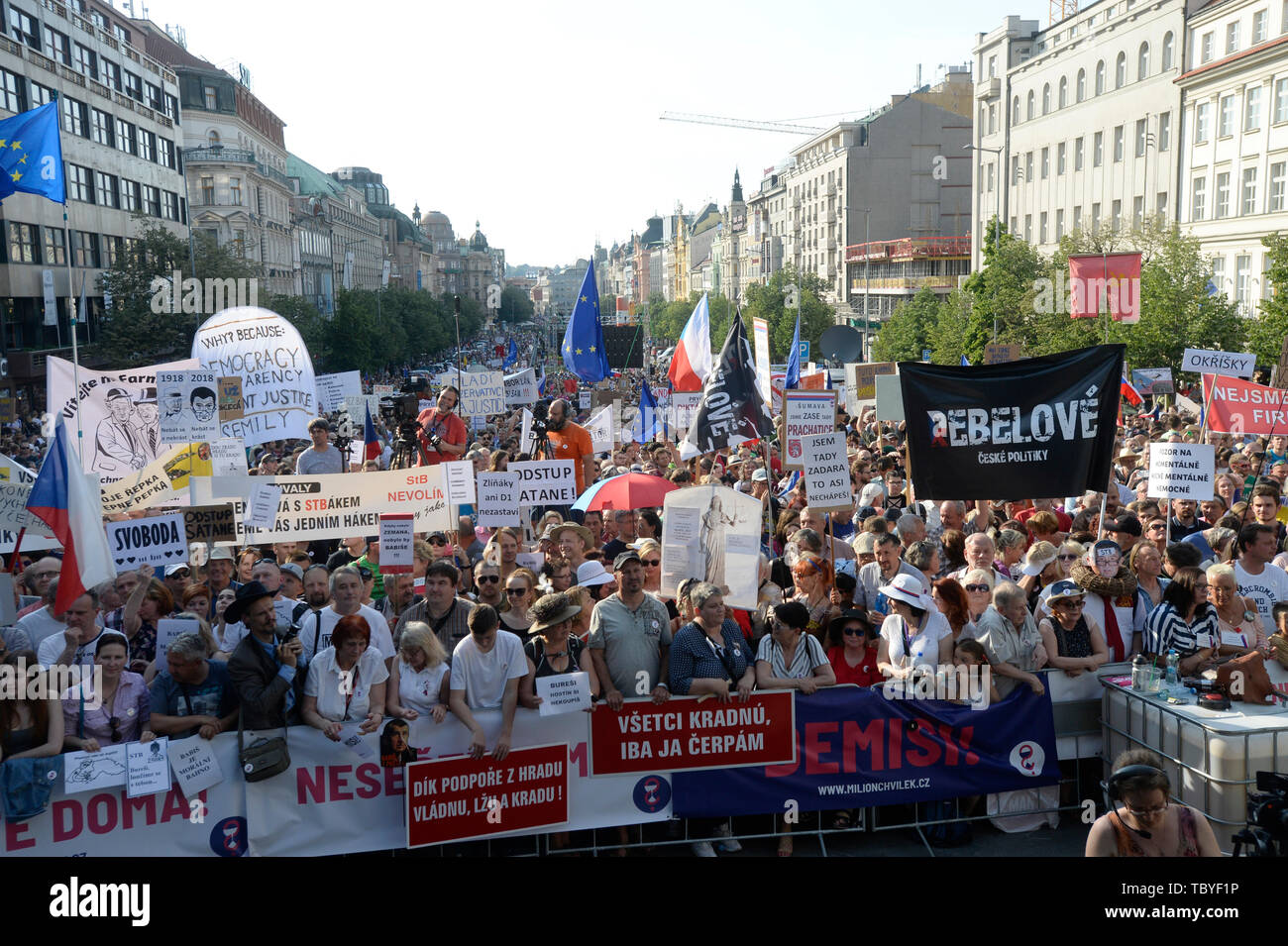 Prague, Czech Republic. 04th June, 2019. People joined another demonstration for Justice Minister Marie Benesova's resignation and also Prime Minister Andrej Babis's resignation, held by Million Moments for Democracy NGO, on the Wenceslas Square in Prague, Czech Republic, on June 4, 2019. Credit: Katerina Sulova/CTK Photo/Alamy Live News Stock Photo