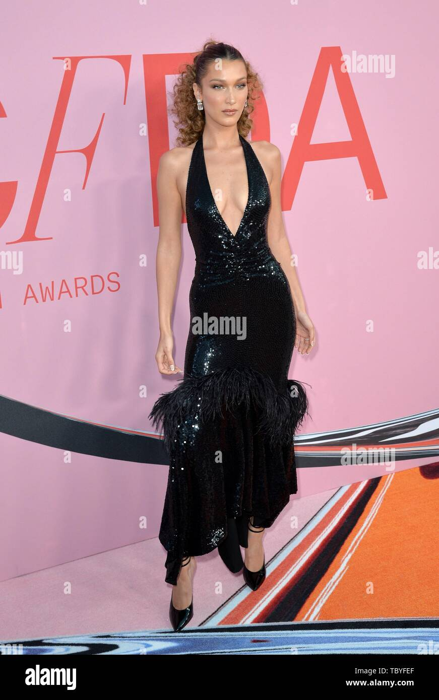 Bella Hadid At Arrivals For 2019 Council Of Fashion Designers Of America Cfda Awards The Brooklyn Museum Brooklyn Ny June 3 2019 Photo By Kristin Callahan Everett Collection Stock Photo Alamy