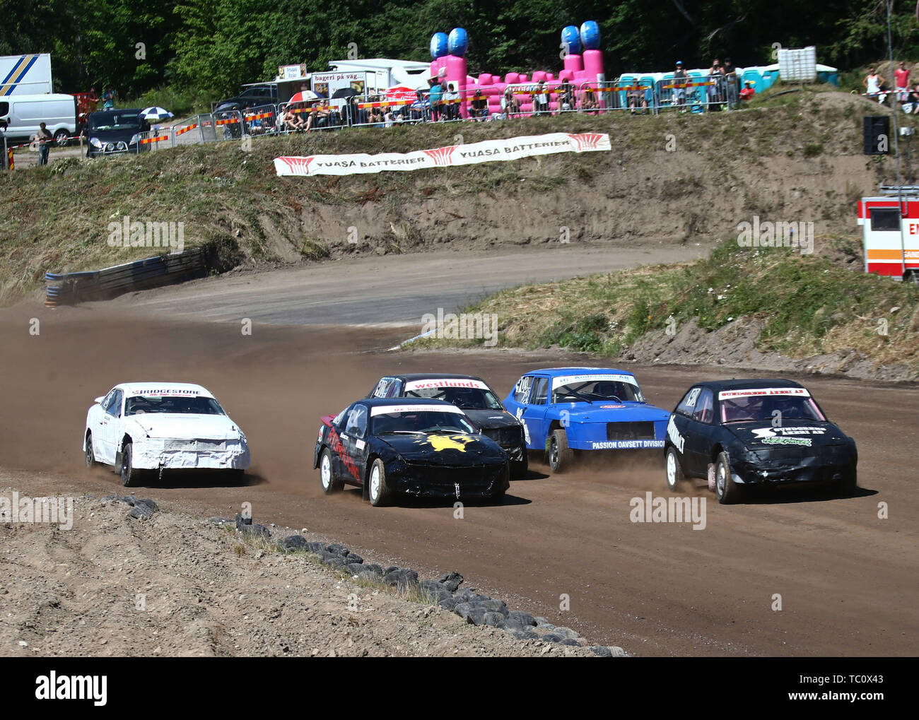 MOTALA 20170719   Folkracefestivalen i Motala, onsdagen.      Folk racing or Folkrace is a popular, inexpensive, and entry-level form of Nordic rallycross that originally comes from Finland, where it is called Jokamiesluokka or Jokkis (officially Jokamiehenluokka, Everyman's class), in Swedish 'Folkrace'. In Latvia it is known as folkreiss, in Norway and Denmark it is known as Bilcross and Folkeræs, respectively. Bild Jeppe Gustafsson - Stock Image
