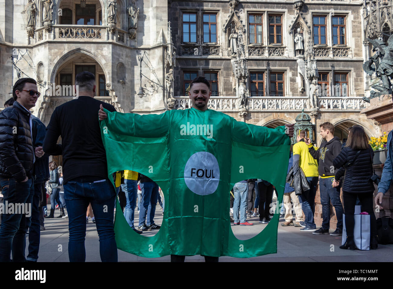 STACHUS, MUENCHEN, APRIL 6, 2019: bvb fans on the way to a public viewing location for the soccer game fc bayern munich vs bvb Stock Photo