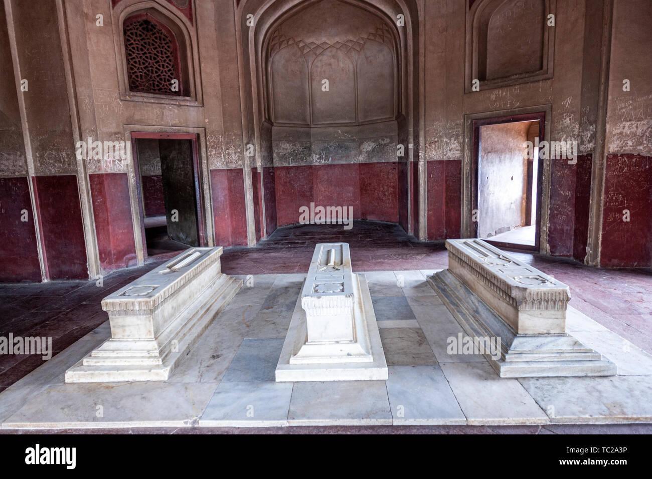 Cenotaphs of Hamida Banu Begum, Dara Shikoh, Humayun's Tomb, Delhi, India - Stock Image