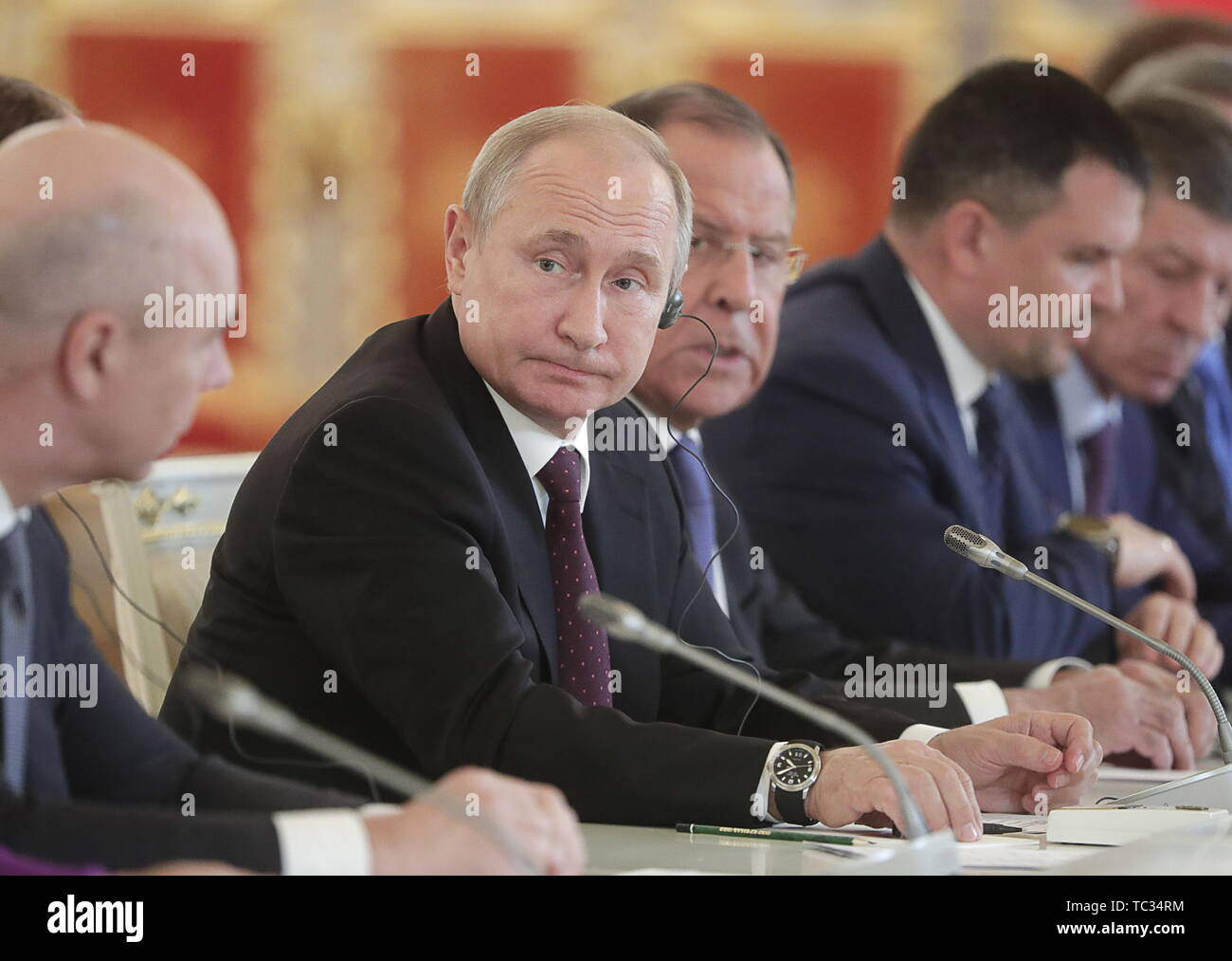 Moscow, Russia. 05th June, 2019. MOSCOW, RUSSIA - JUNE 5, 2019: Russia's President Vladimir Putin, Russia's Foreign Minister Sergei Lavrov (L-R cenre) during Russian-Chinese talks at the Moscow Kremlin. Mikhail Metzel/TASS Credit: ITAR-TASS News Agency/Alamy Live News - Stock Image