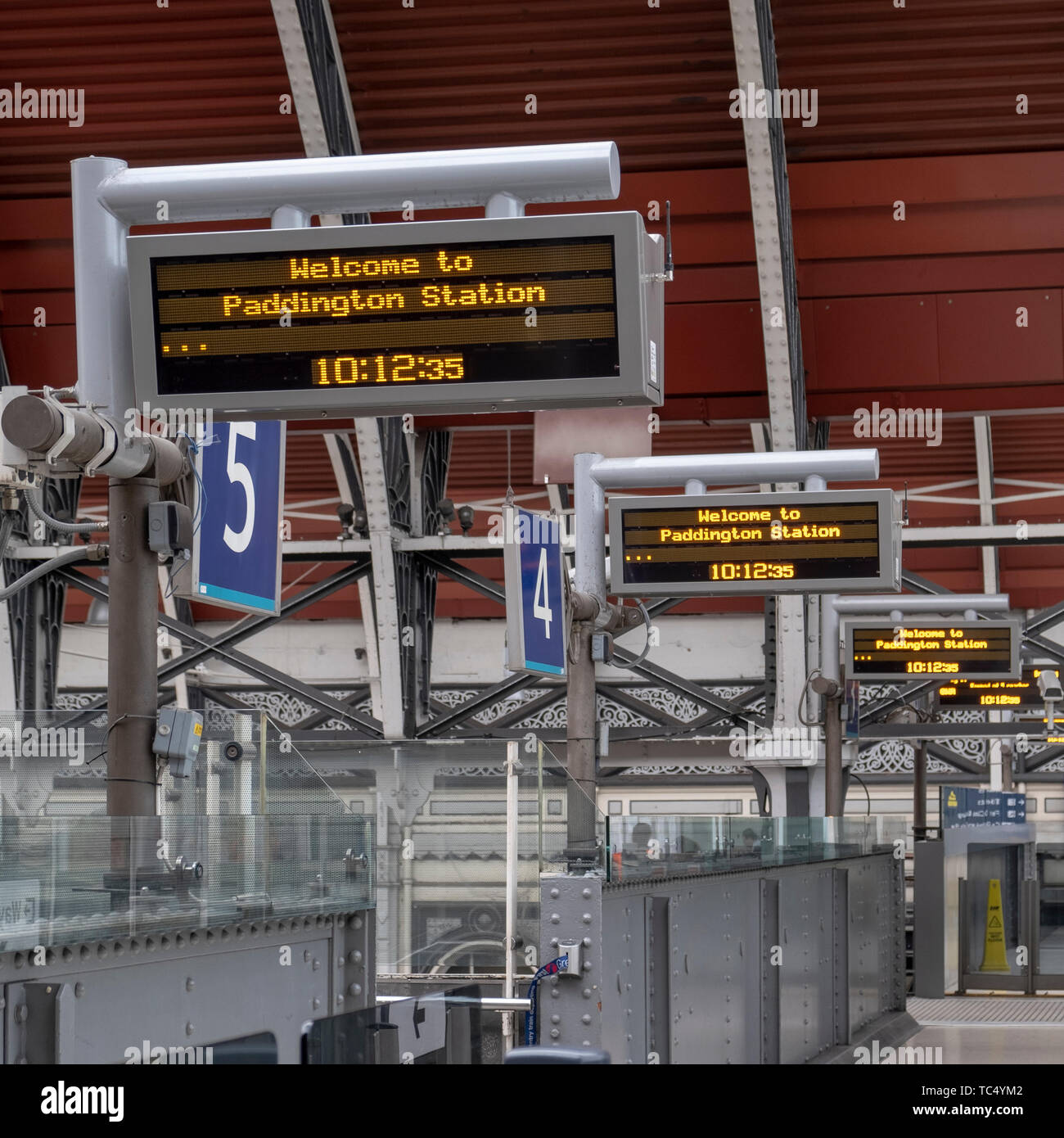 Platform indicators at Paddington Station, London, England - Stock Image