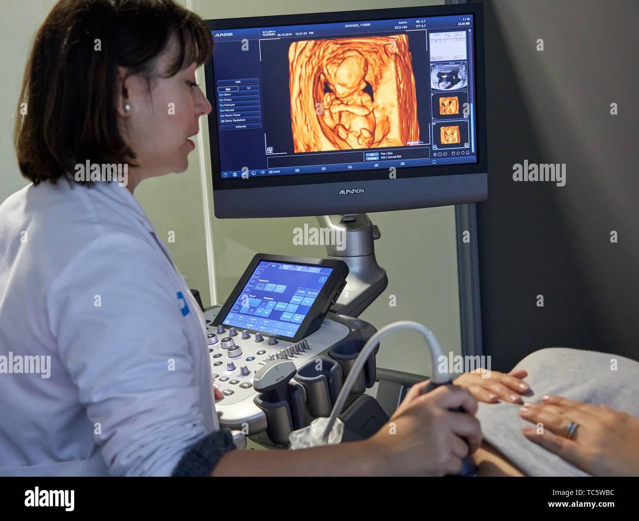 ultrasound diagnostic systems, Ultrasound 4d, Hospital, Donostia, San Sebastian, Gipuzkoa, Basque Country, Spain - Stock Image