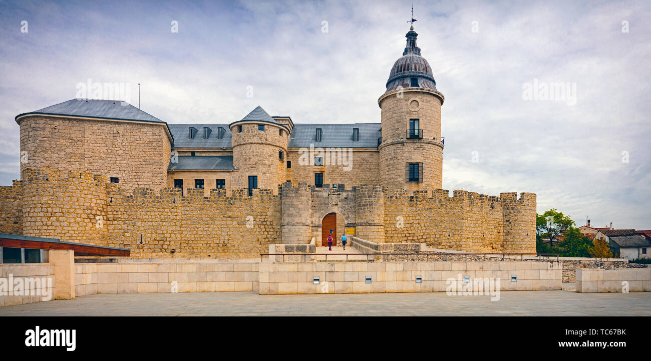 Simancas castle, Vallodolid Province, Castile and Leon, Spain.  The castle is now used as an archive of Iberian history.  It contains some 33 million  - Stock Image