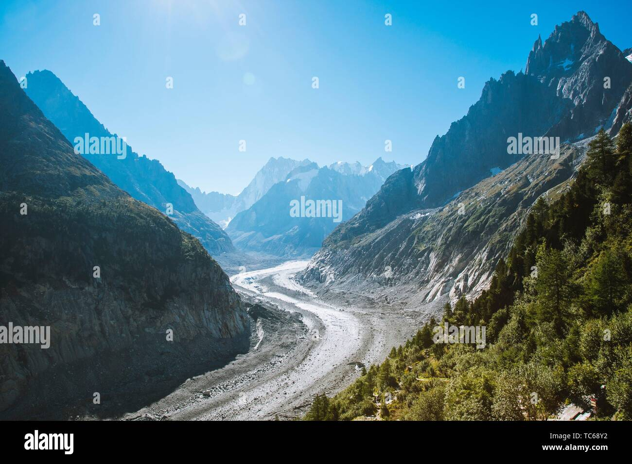 The Mer de Glace (''Sea of Ice'') is a valley glacier located on the northern slopes of the Mont Blanc massif, in the French Alps. It is 7. 5 km long - Stock Image