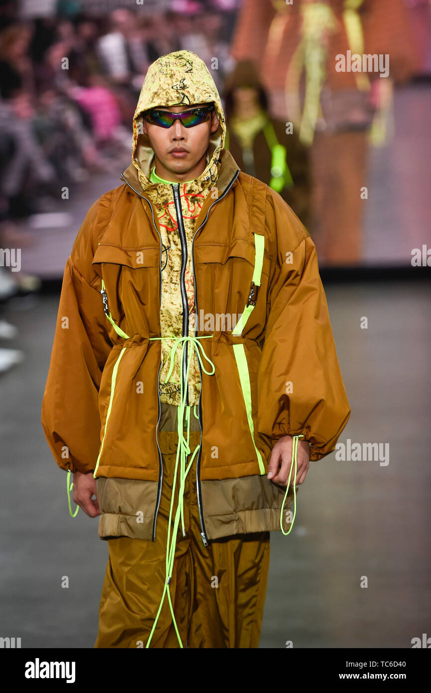 London Uk 5 June 2019 A Model Presents A Look By Patric Anochie From University Of East London During The Best Of Gfw Show On The Final Day Of Graduate Fashion Week