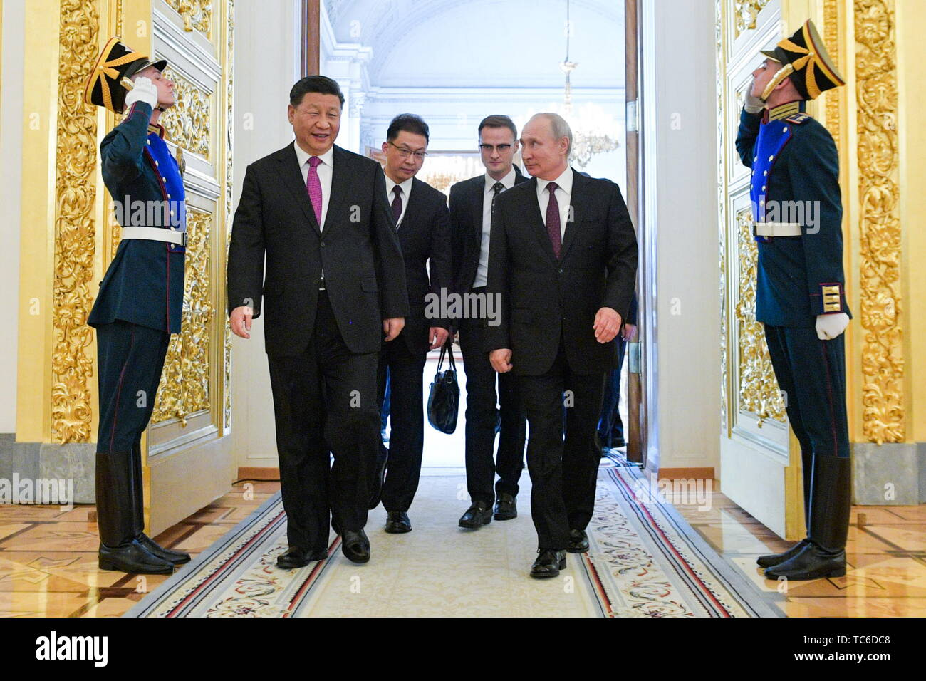 Moscow, Russia. 05th June, 2019. MOSCOW, RUSSIA - JUNE 5, 2019: China's President Xi Jinping and Russia's President Vladimir Putin (L-R front) at a ceremony to sign joint documents following Russian-Chinese talks at the Moscow Kremlin. Alexei Druzhinin/Russian Presidential Press and Information Office/TASS Credit: ITAR-TASS News Agency/Alamy Live News - Stock Image