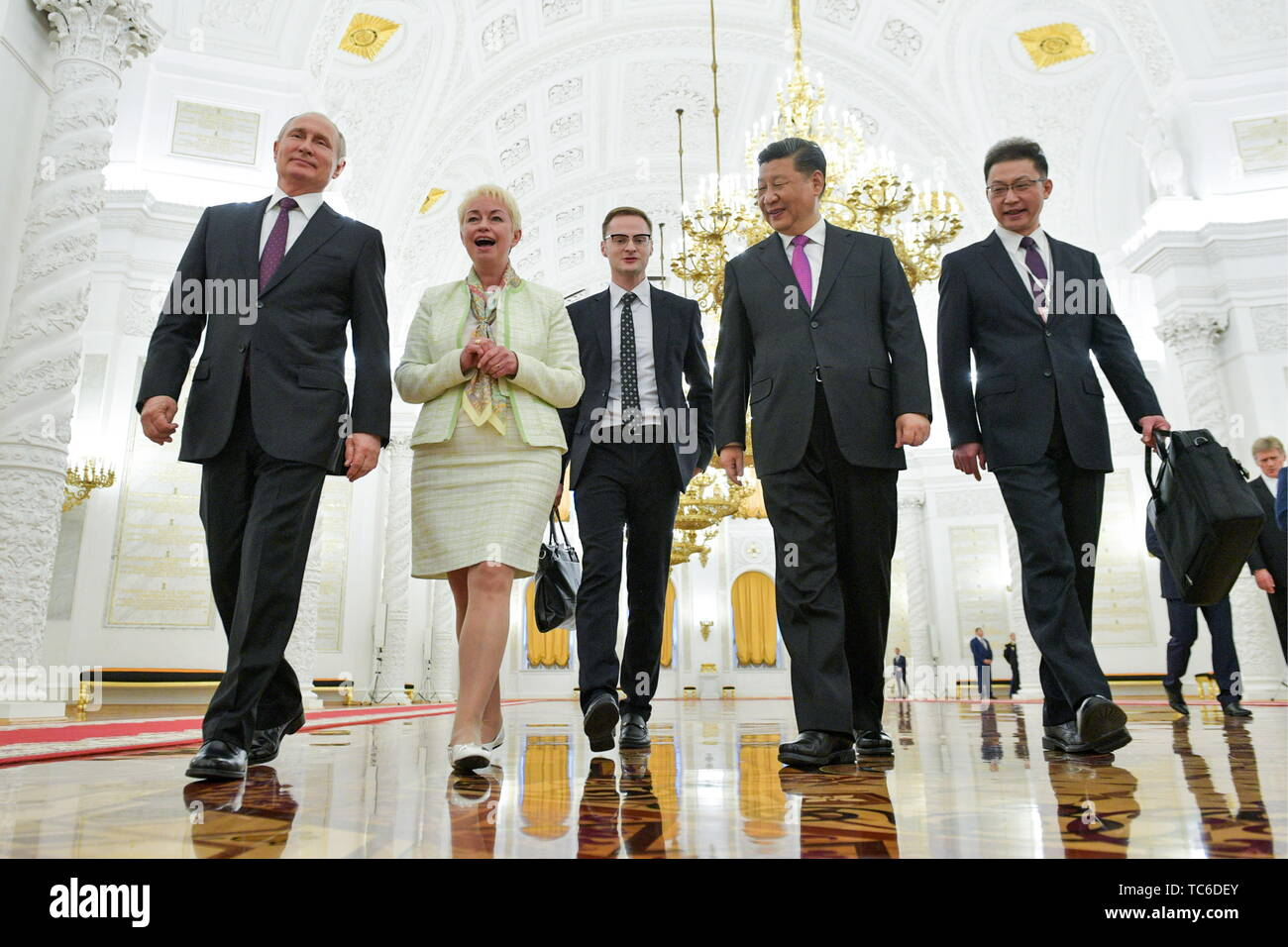 Moscow, Russia. 05th June, 2019. MOSCOW, RUSSIA - JUNE 5, 2019: Russia's President Vladimir Putin (L), China's President Xi Jinping (2nd R) during a meeting at the Moscow Kremlin. Alexei Druzhinin/Russian Presidential Press and Information Office/TASS Credit: ITAR-TASS News Agency/Alamy Live News - Stock Image