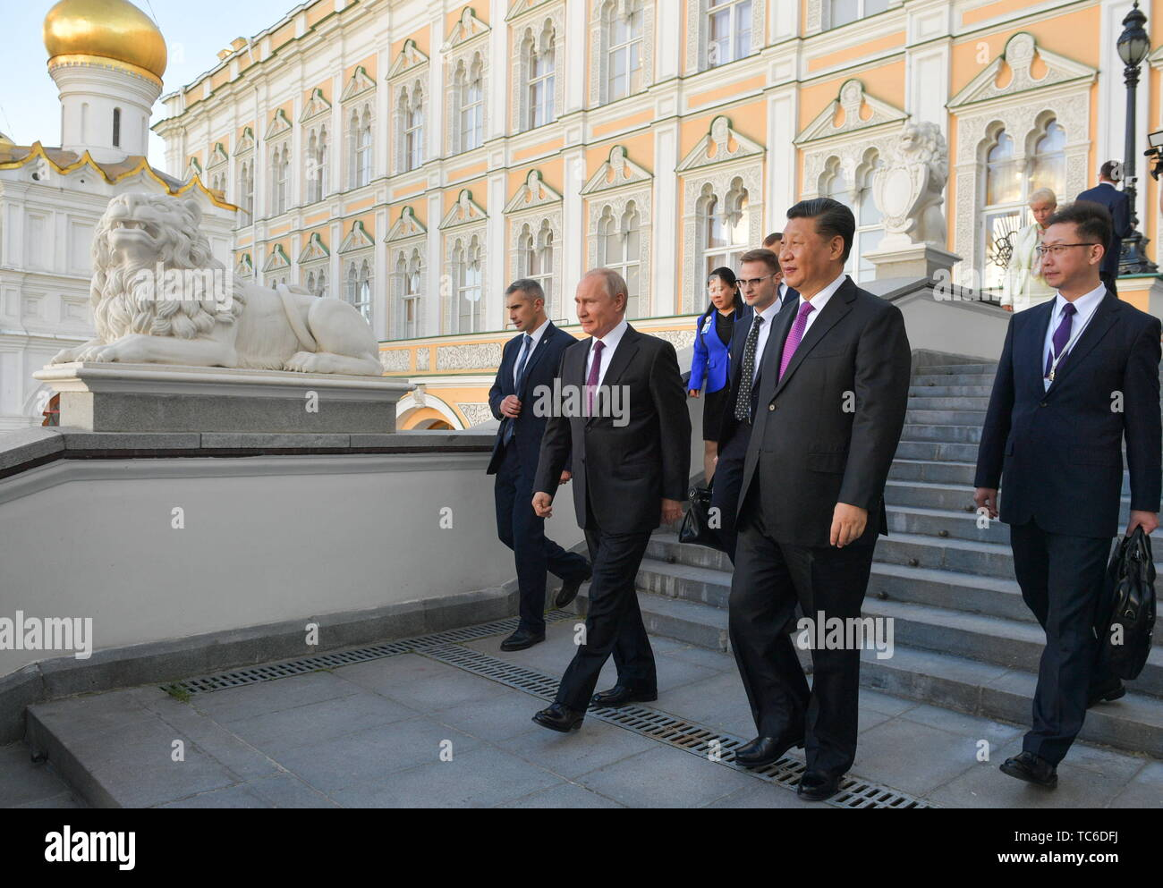 Moscow, Russia. 05th June, 2019. MOSCOW, RUSSIA - JUNE 5, 2019: Russia's President Vladimir Putin (2nd L), China's President Xi Jinping (2nd R) during a meeting at the Moscow Kremlin. Alexei Druzhinin/Russian Presidential Press and Information Office/TASS Credit: ITAR-TASS News Agency/Alamy Live News - Stock Image
