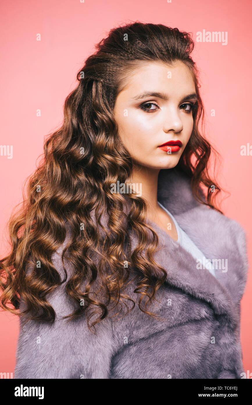 Healthy Curls That Look Bouncy Hair Styling In Beauty Salon