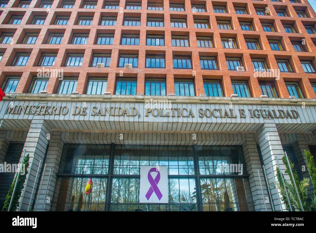 Facade of Sanidad, Politica Social e Igualdad Ministry, by Rafael Moneo. Paseo del Prado, Madrid, Spain. - Stock Image
