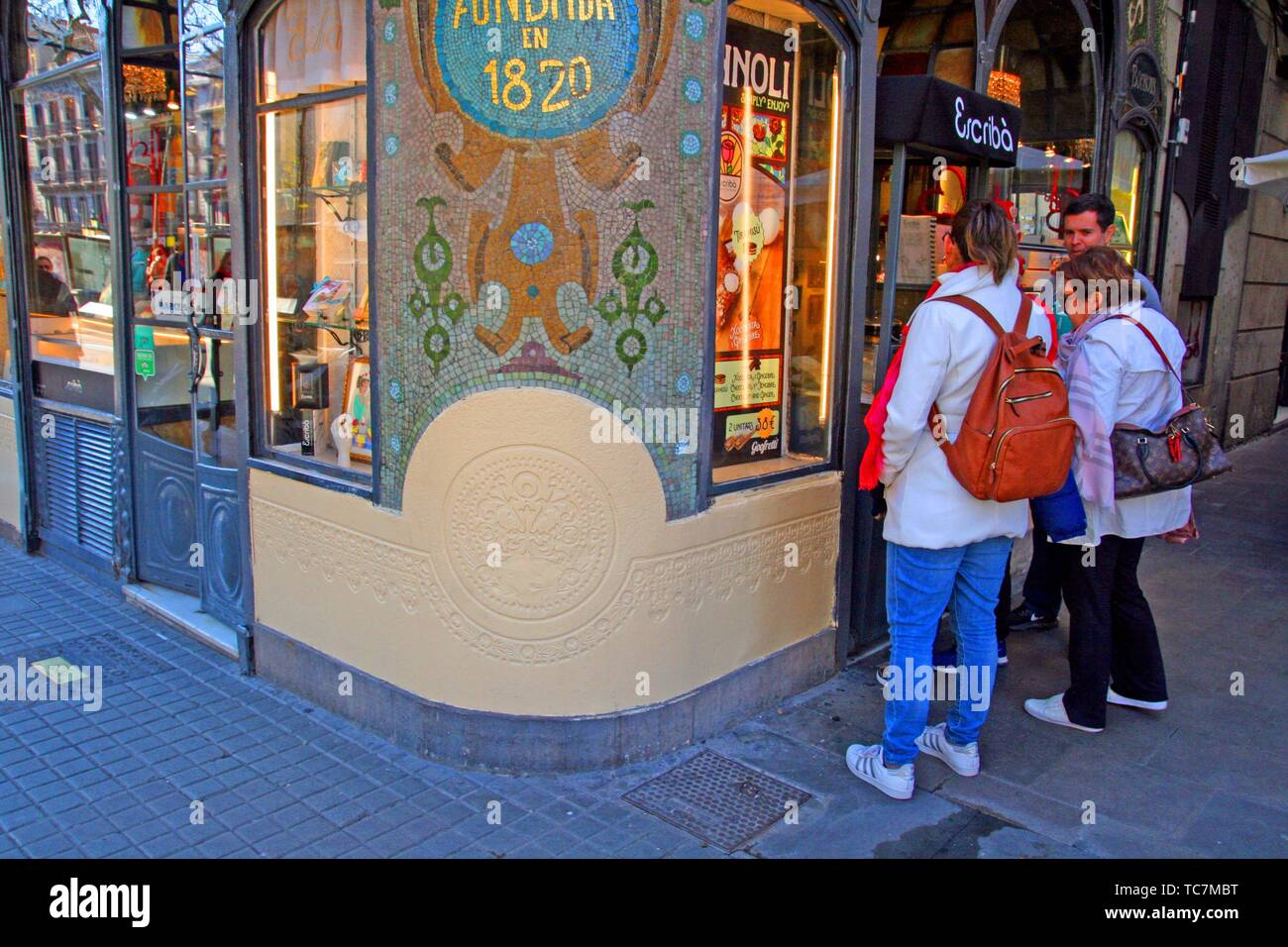 showcase of the Escribà pastry shop on the Ramblas, former Casa Figueras, catalan modernism, 1902, architect Antoni Ros Güell, Barcelona, Catalonia, - Stock Image