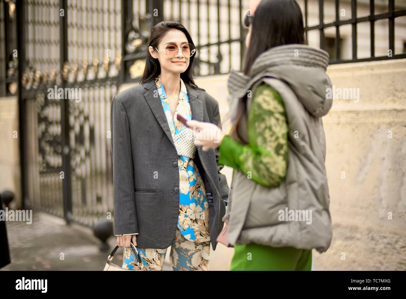 1749d3703e Street Style - Paris Fashion Week Womenswear Fall/Winter 2019/2020, guest  seen