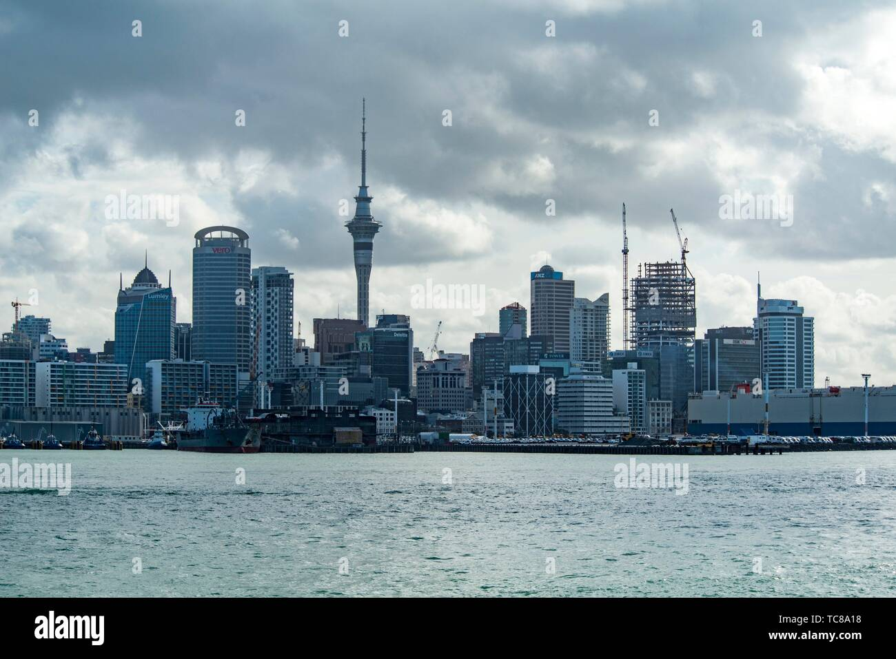 Auckland skyline, Hauraki Gulf, New Zealand. - Stock Image