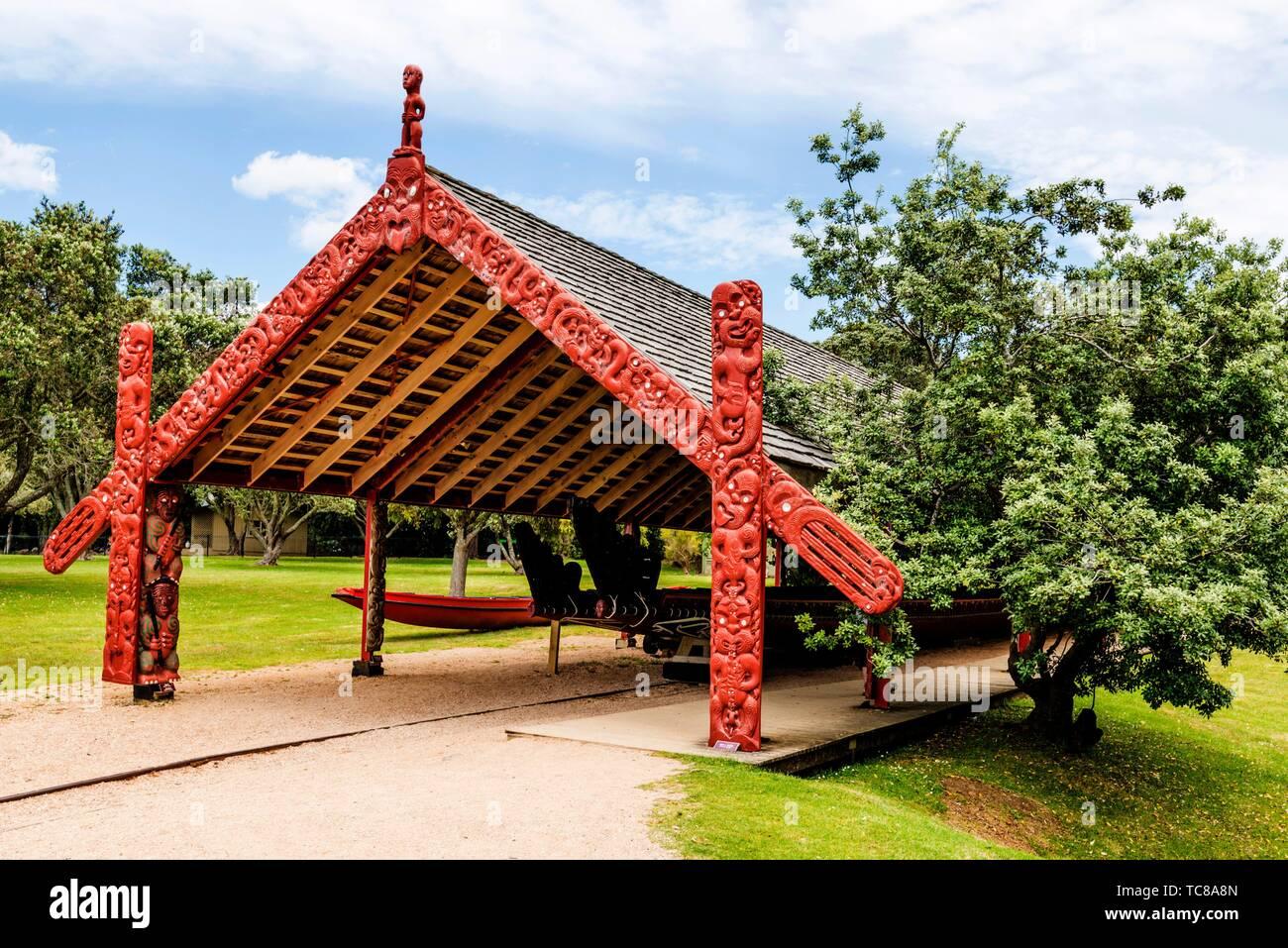 Maori canoe at the Waitangi Treaty Grounds, New Zealand. - Stock Image