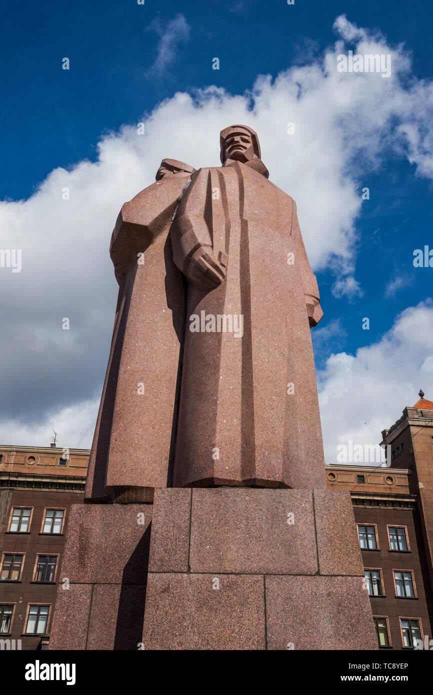 Red Riflemen Monument, Old Town, Riga, Latvia, Baltic States, Europe. Stock Photo