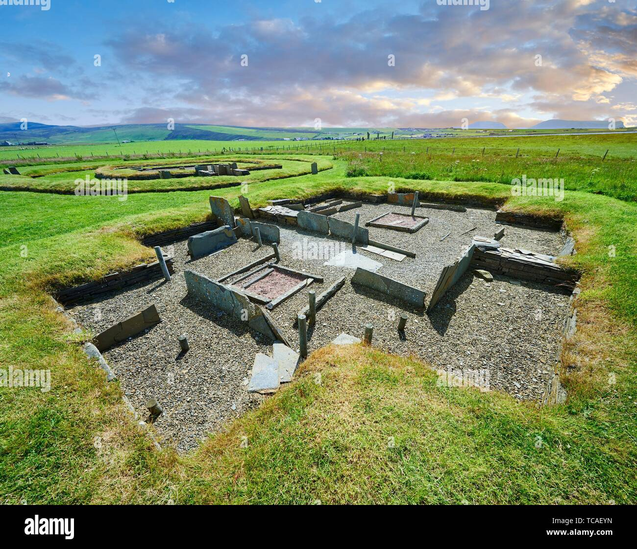 The recessed box beds and harth of one of the 8 houses of the Neolithic Barnhouse Settlement archaeological site, circa 3000 BC, Loch of Harray, - Stock Image