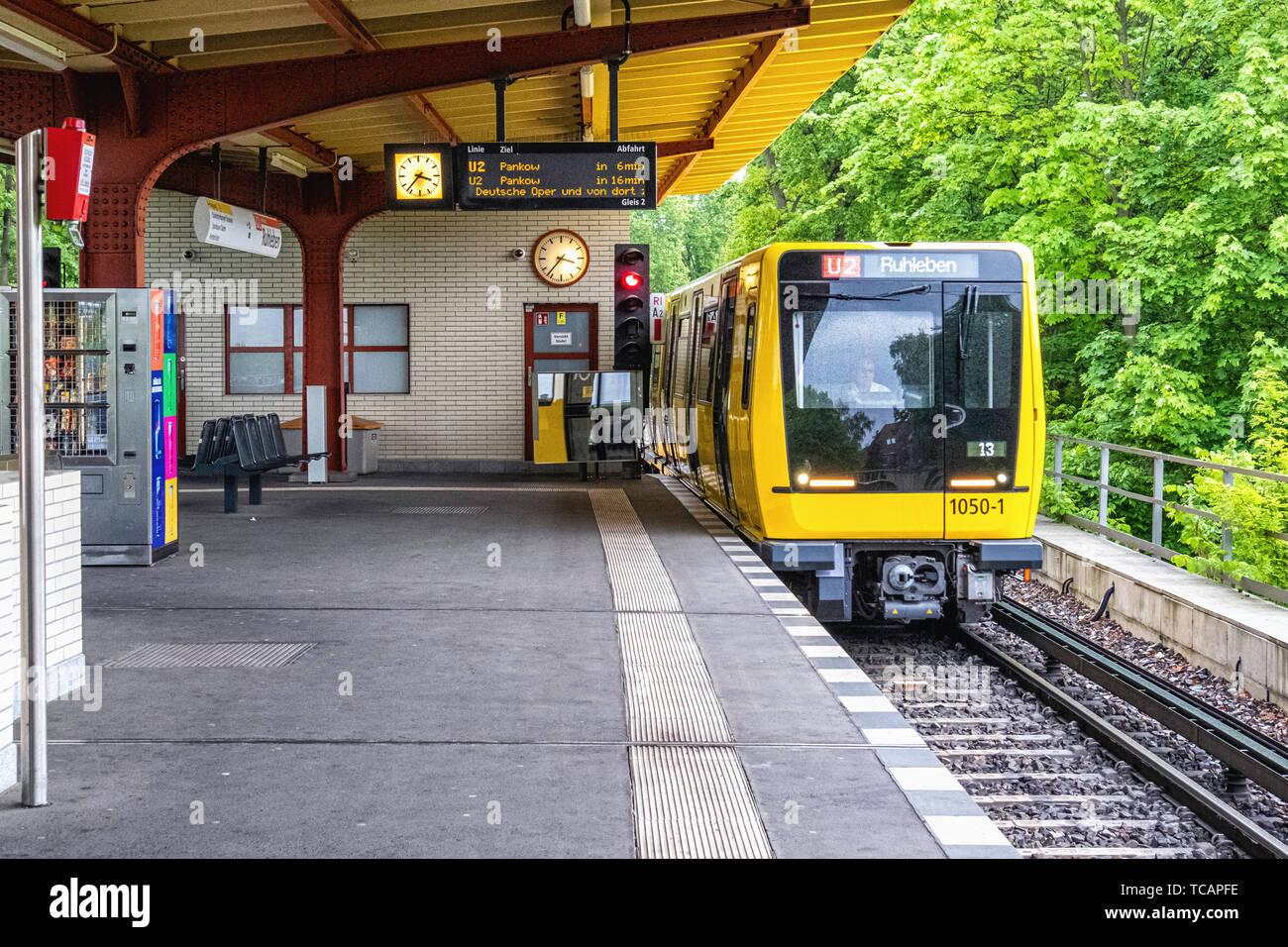 U-Bahn Ruhleben underground railway station is the western terminus of the U 2 line in Westend district, Berlin. Train, Platform & rail tracks - Stock Image