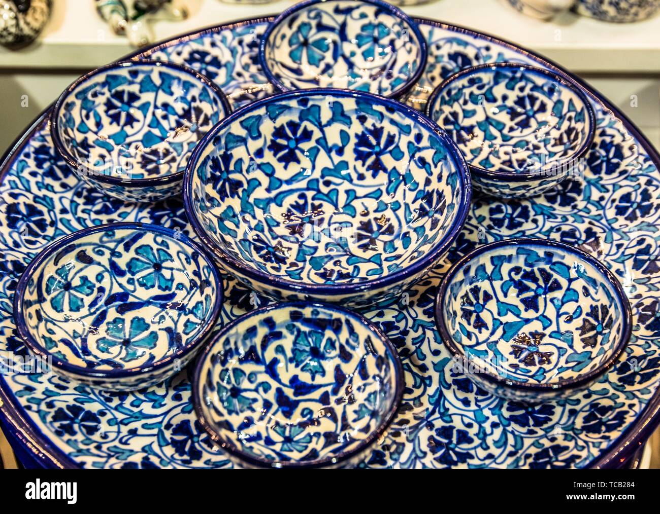 Souvenir Plates On Sale In High Resolution Stock Photography And Images Alamy