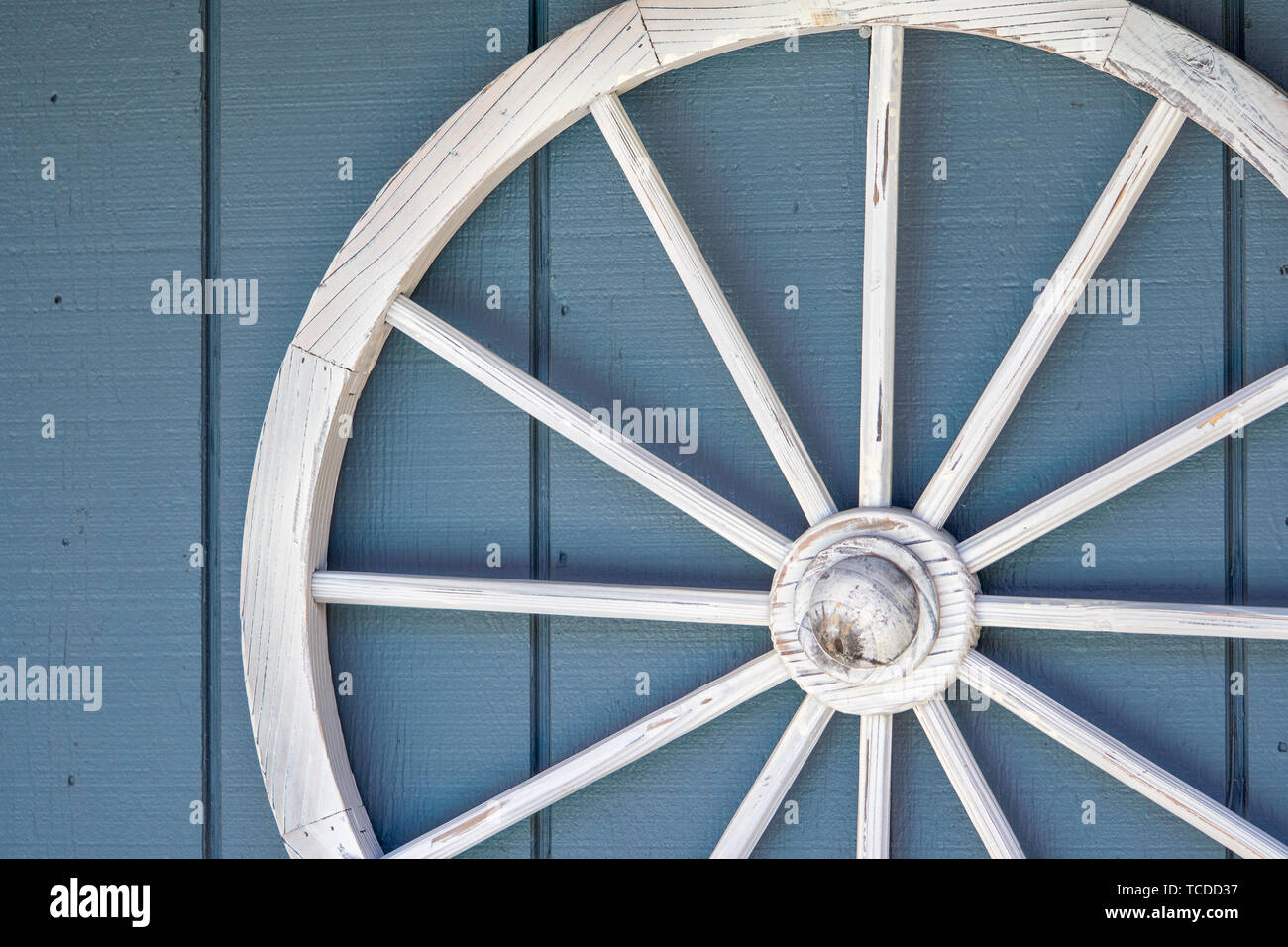 Old White Wood Wagon Wheel Decor Stock Photo Alamy
