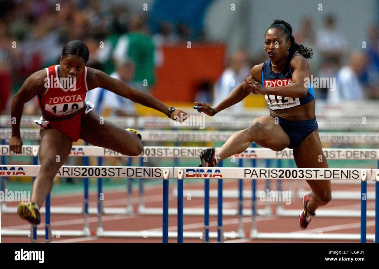 Stade de France Saint Denis near Paris 26.8.2003, IX World Championships in Athletics ---- Gail Devers (USA, left), Perdita Felicien (CAN), 100m hurdles - Stock Image