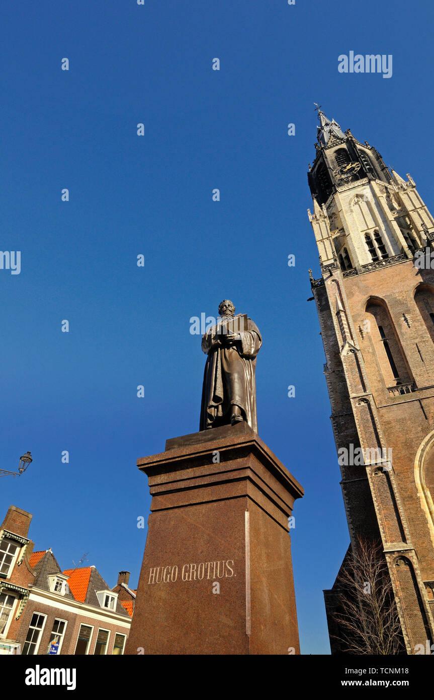 delft, zuid holland/netherlands - february 17, 2008: statue of hugo grotius (1583/1645) in front of nieuwe kerk - Stock Image