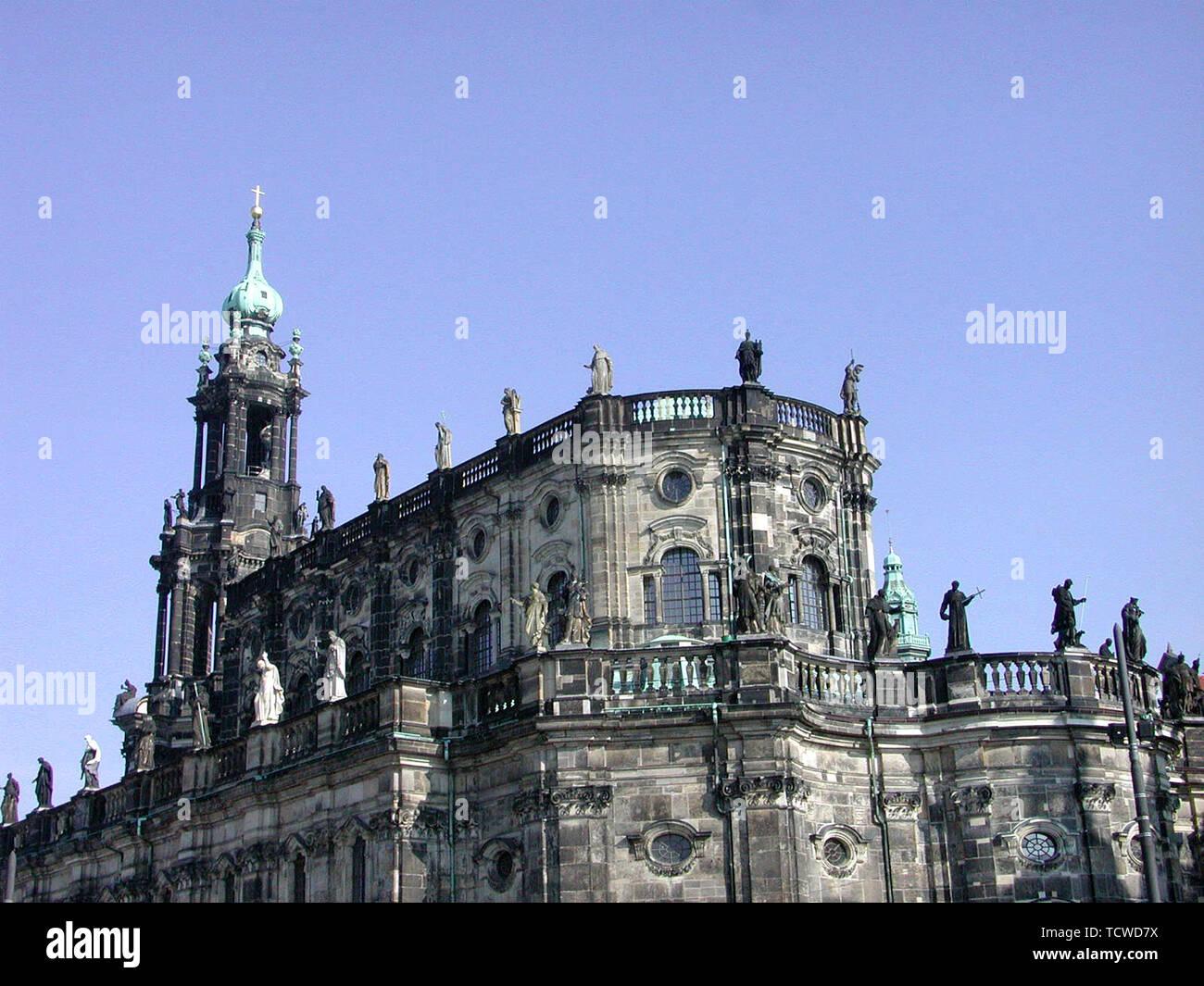 Dresden on March 28, 2002; Semperoper - Stock Image