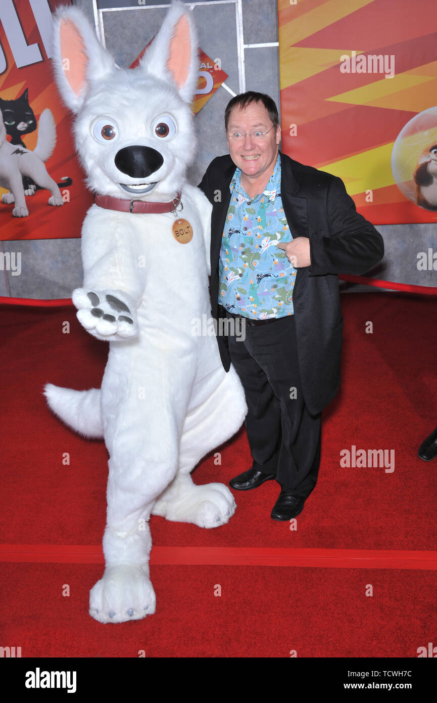 Los Angeles Ca November 17 2008 Disney Pixar Boss John Lasseter With Bolt Character At The World Premiere Of Bolt At The El Capitan Theatre Hollywood C 2008 Paul Smith Featureflash Stock Photo Alamy