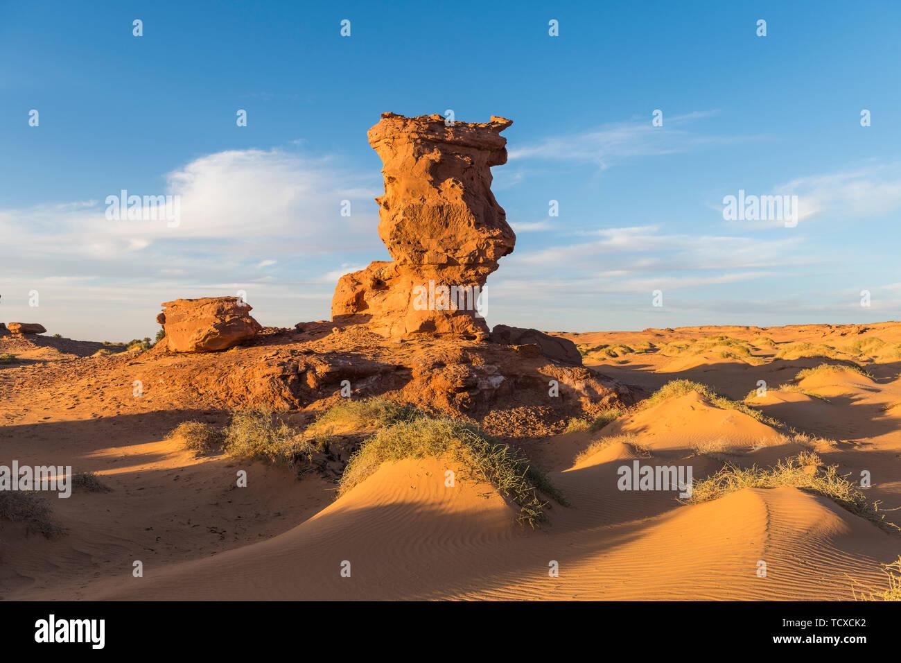 Sunset in the Sahara near Timimoun, western Algeria, North Africa, Africa - Stock Image