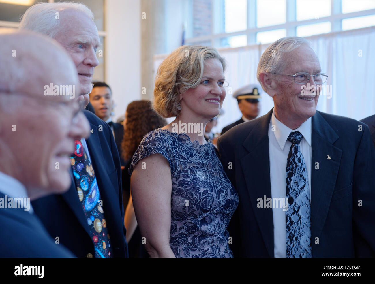 Garden City, New York, USA. 6th June, 2019. L-R, GERRY GRIFFIN, Apollo Flight Director; Apollo 9 astronaut RUSTY SCHWEICKART; Nassau County Executive LAURA CURRAN; and Apollo 16 astronaut CHARLIE DUKE pose for photo at Cradle of Aviation Museum during Apollo at 50 Anniversary Dinner, an Apollo astronaut tribute celebrating the Apollo 11 mission Moon landing. Credit: Ann Parry/ZUMA Wire/Alamy Live News - Stock Image
